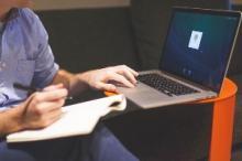 Le rachat de crédit en agence ou sur le web ?